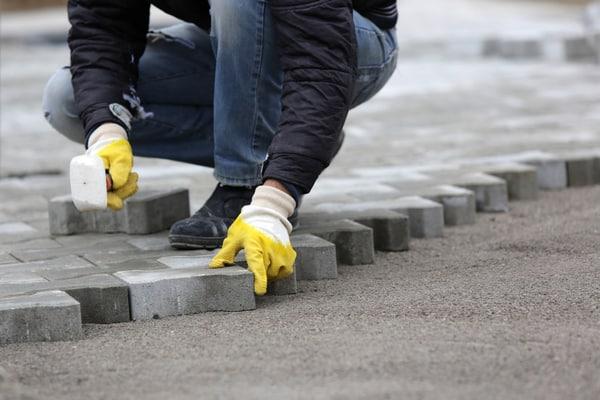 Stensättarens olika arbetsuppgifter
